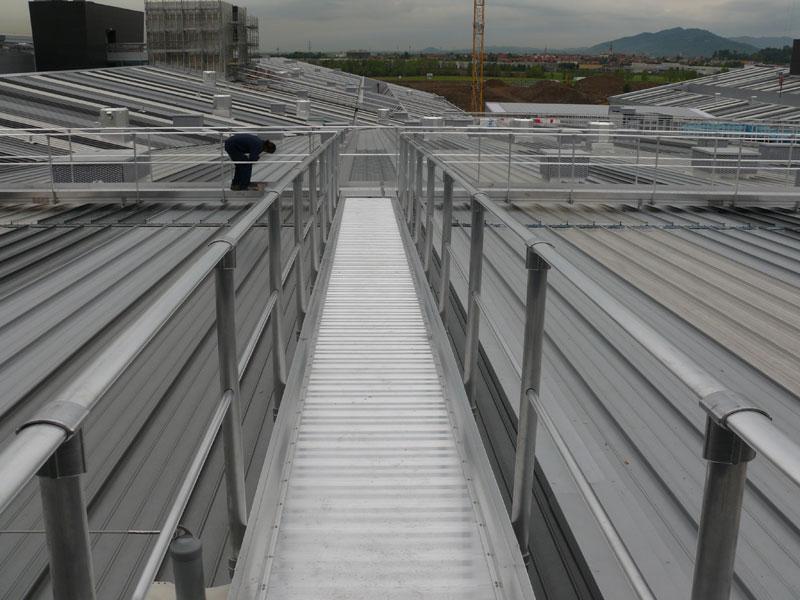 jumta celiņi un margas, darbs augstumā